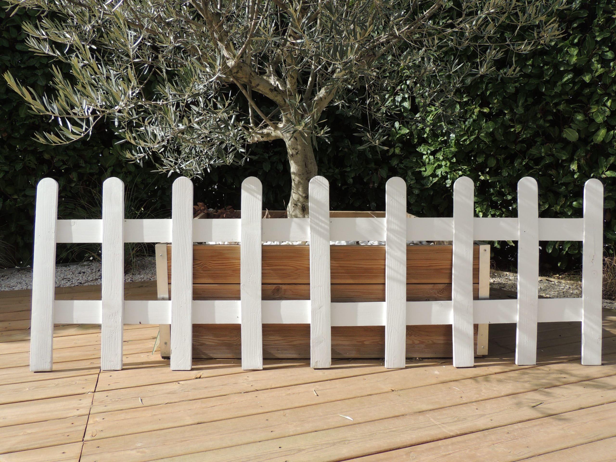 location d'une barrière en bois pour décorer votre mariage ou évènement, proposée par esprit pop'up