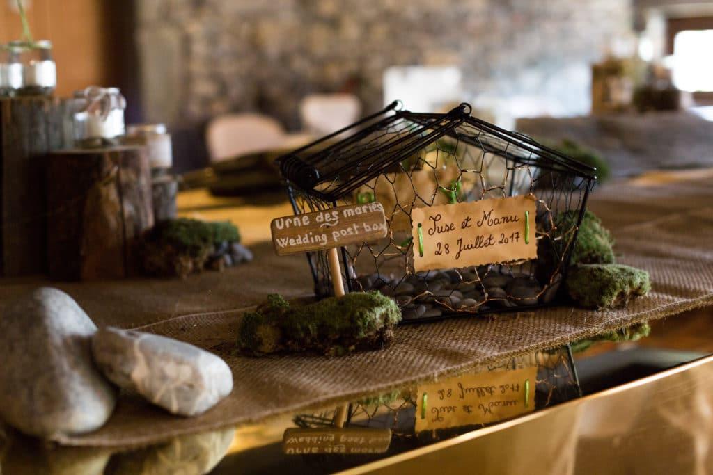 urne des mariés fait main sur le thème lac et montagne réalisé par esprit pop'up