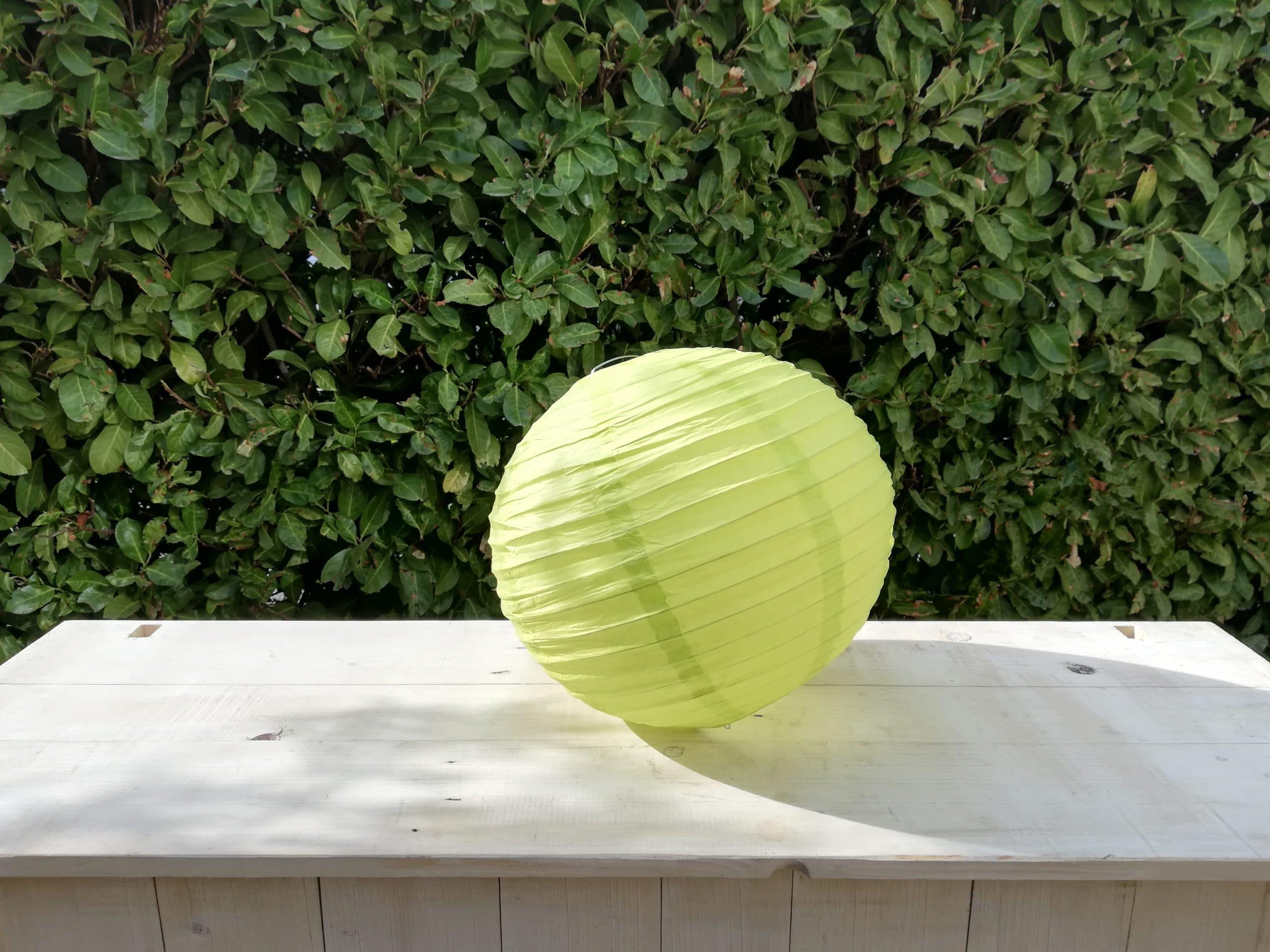 location de boules chinoises vertes anis pour décoration de mariage proposées par esprit pop'up